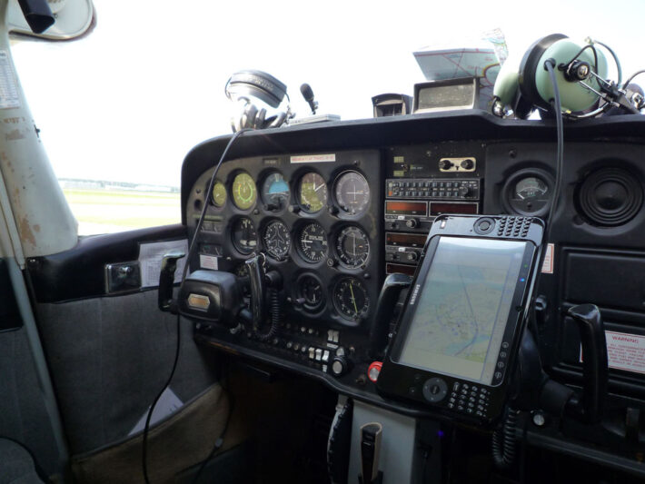 PH-EAM Cockpit